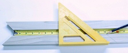 Measuring Picture Frame Molding with a Tapemeasure